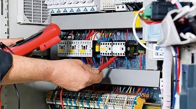 Manutenção de Equipamentos Elétricos